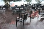 Столове от ратан за закрито заведения