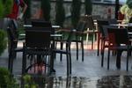 Качествени столове от ратан за басейн