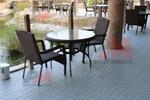 Мебели от ратан за външно и вътрешно ползване в заведението