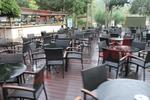 Удобни маси и столове за заведения от ратан