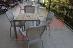 Стилни маси и столове ратан бежови
