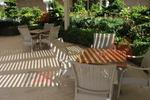 Маси и столове ратанови бежови