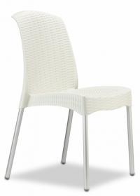 Стол от ратан бял